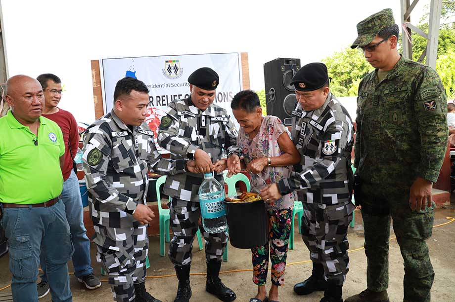 PSG troopers donate their meal allowance to N. Cotabato quake victims